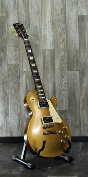 Gibson_Les_Paul_50th_Tribute_goldtop_front
