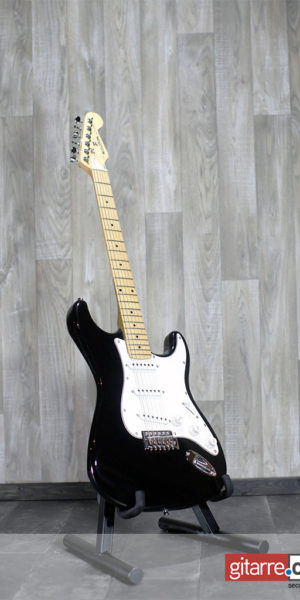 Marathon_Replay_Stratocaster_black_front