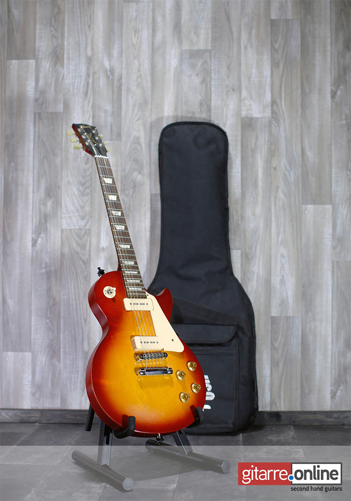 Gibson_Les_Paul_Tribute_2011_Sunburst_with_bag