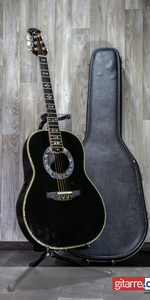 Ovation Custom Legen 1719 black with Case