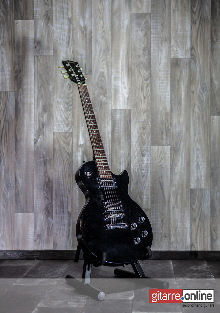 Gibson_Les_Paul_Special_Faded_Black_2005_front